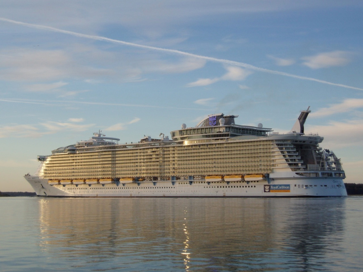Comparison Of The Largest Cruise Ships: The Royal Caribbean Oasis, The Norwegian Epic, And The Carnival Dream