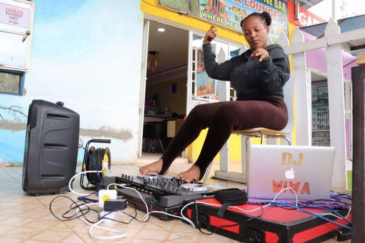 DJ Wiwa on the Decks