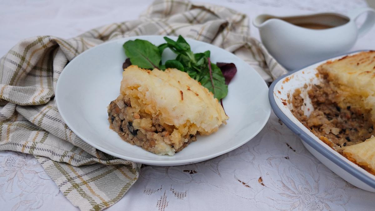 Vegan shepherd's pie recipe with vegan haggis