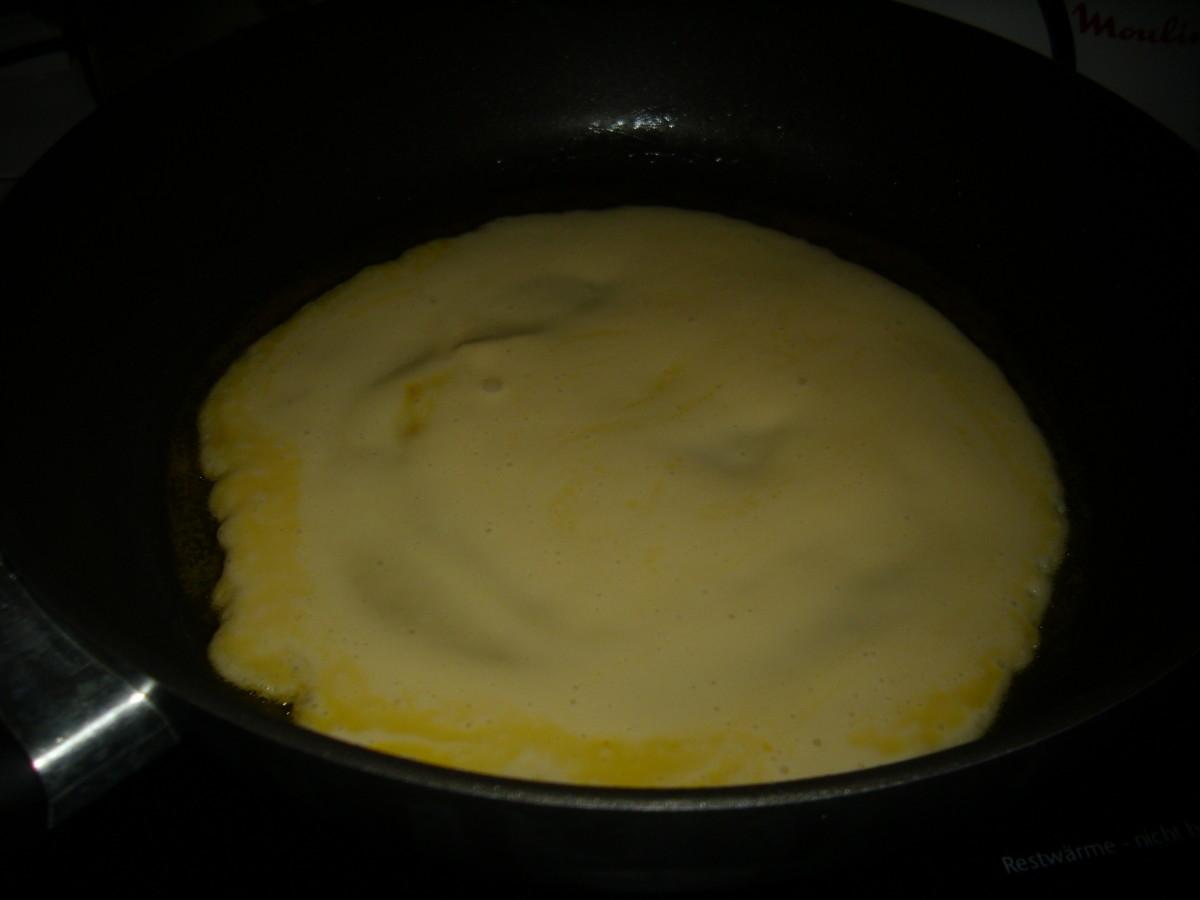 Unfinish fried pancake.