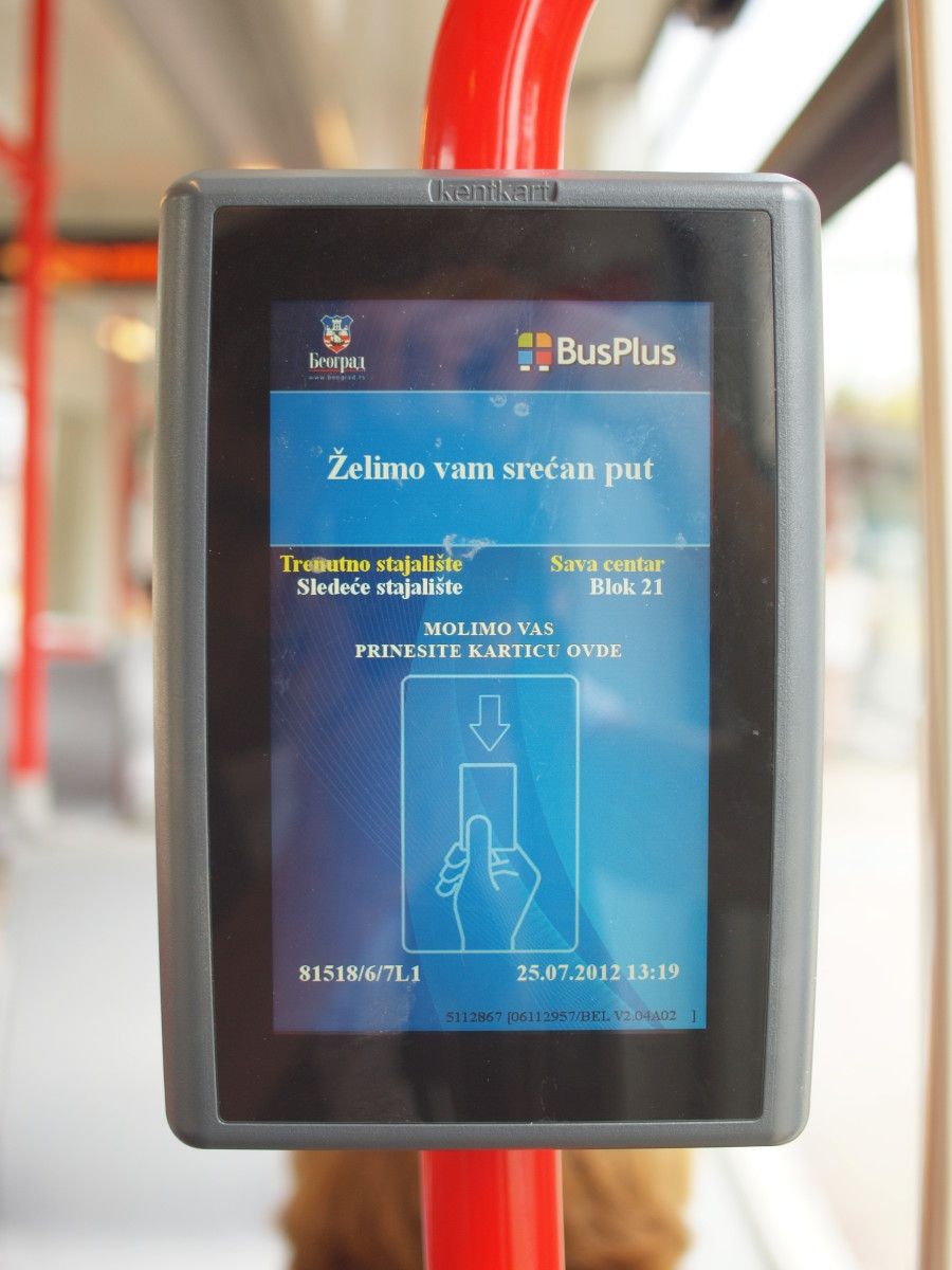 BusPlus card reader, usually located at the bus door.