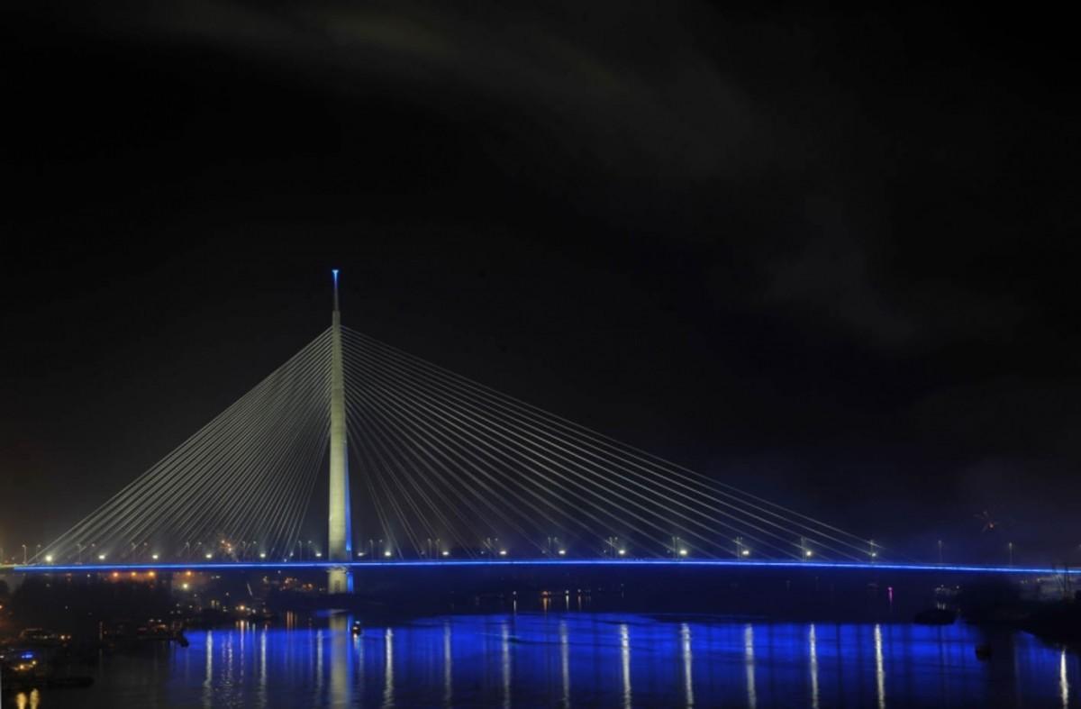 Ada Bridge Firework