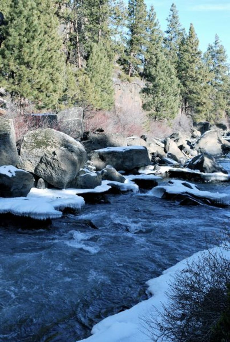 Winter on the Deschutes River, Oregon