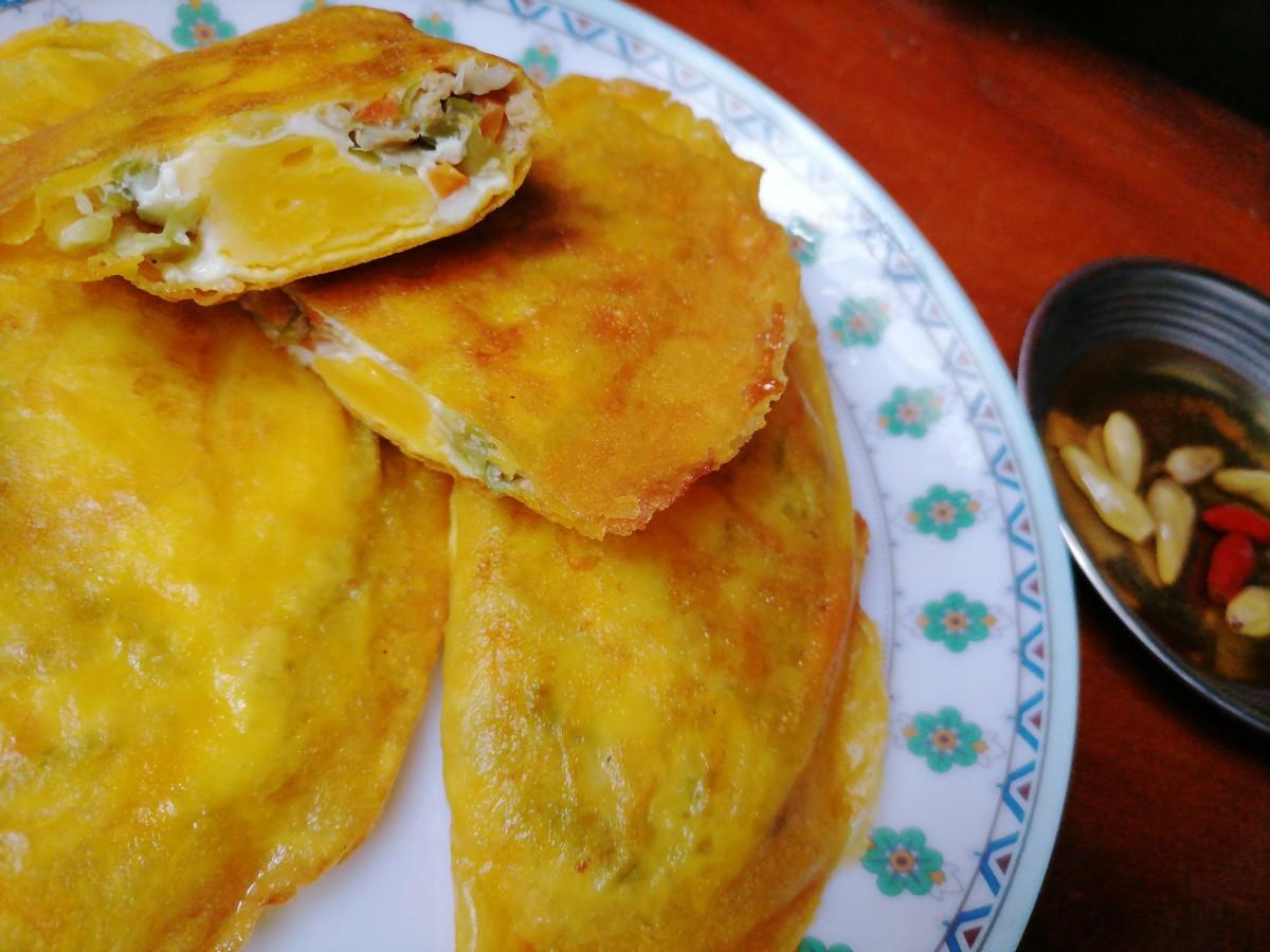 Lumpia and empanada in one!