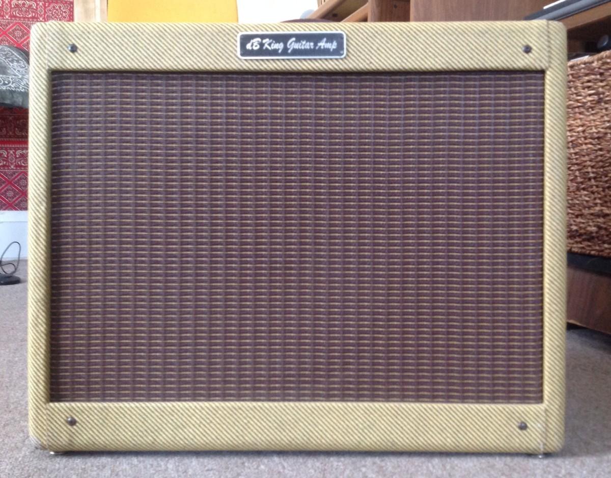 dB King Deluxe tweed guitar amp