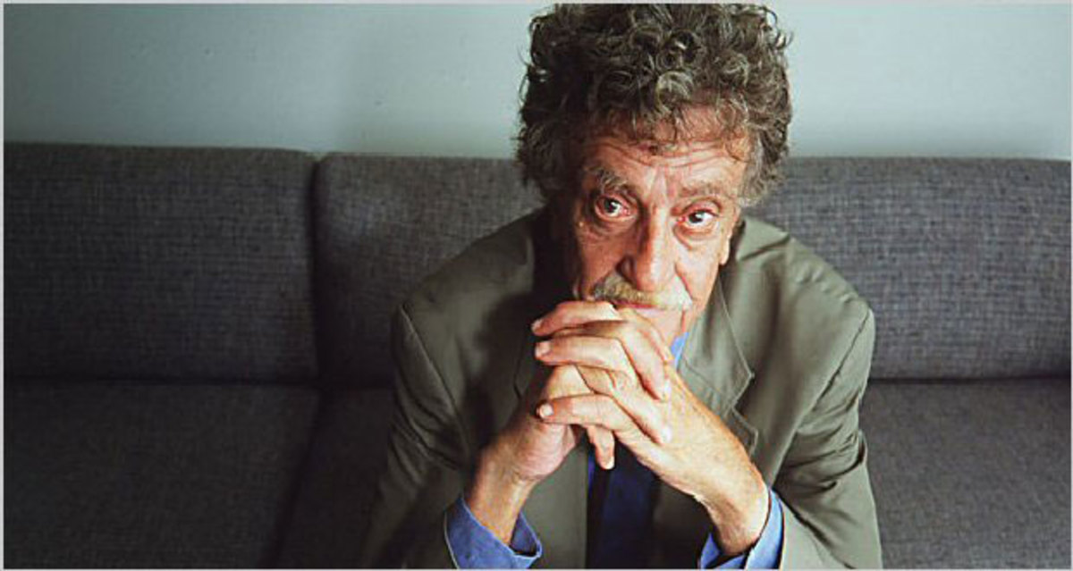 Slaughterhouse 5 by Kurt Vonnegut -Book Review -