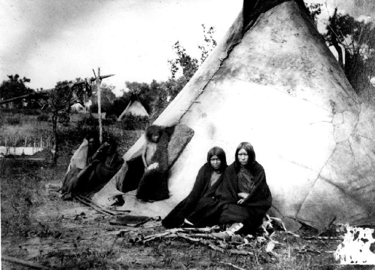 Arapahoe Tipis in camp