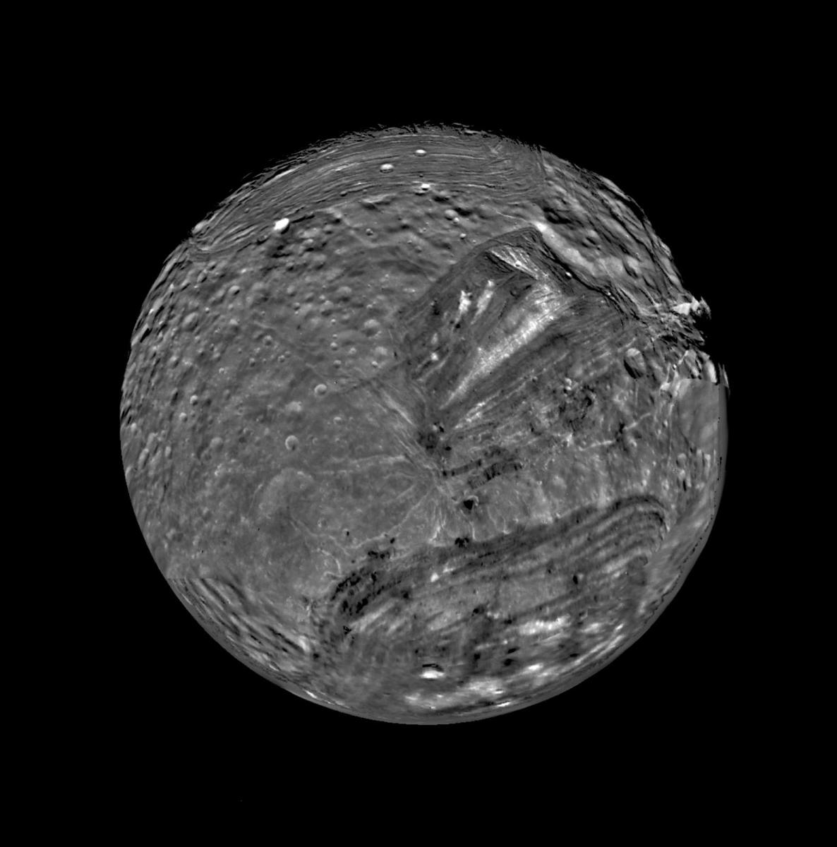 The strange cracked and reshaped surface of Miranda (imaged by the Voyager probe)