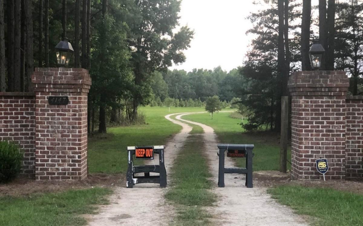 Entrance to the Murdaugh property. Photo courtesy of NY Post