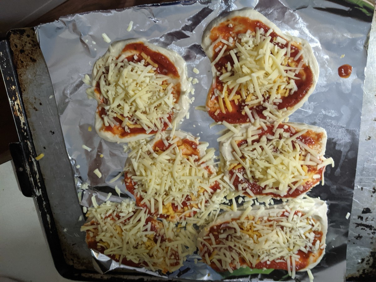 pizza-mini-crusts-made-with-dinner-roll-dough