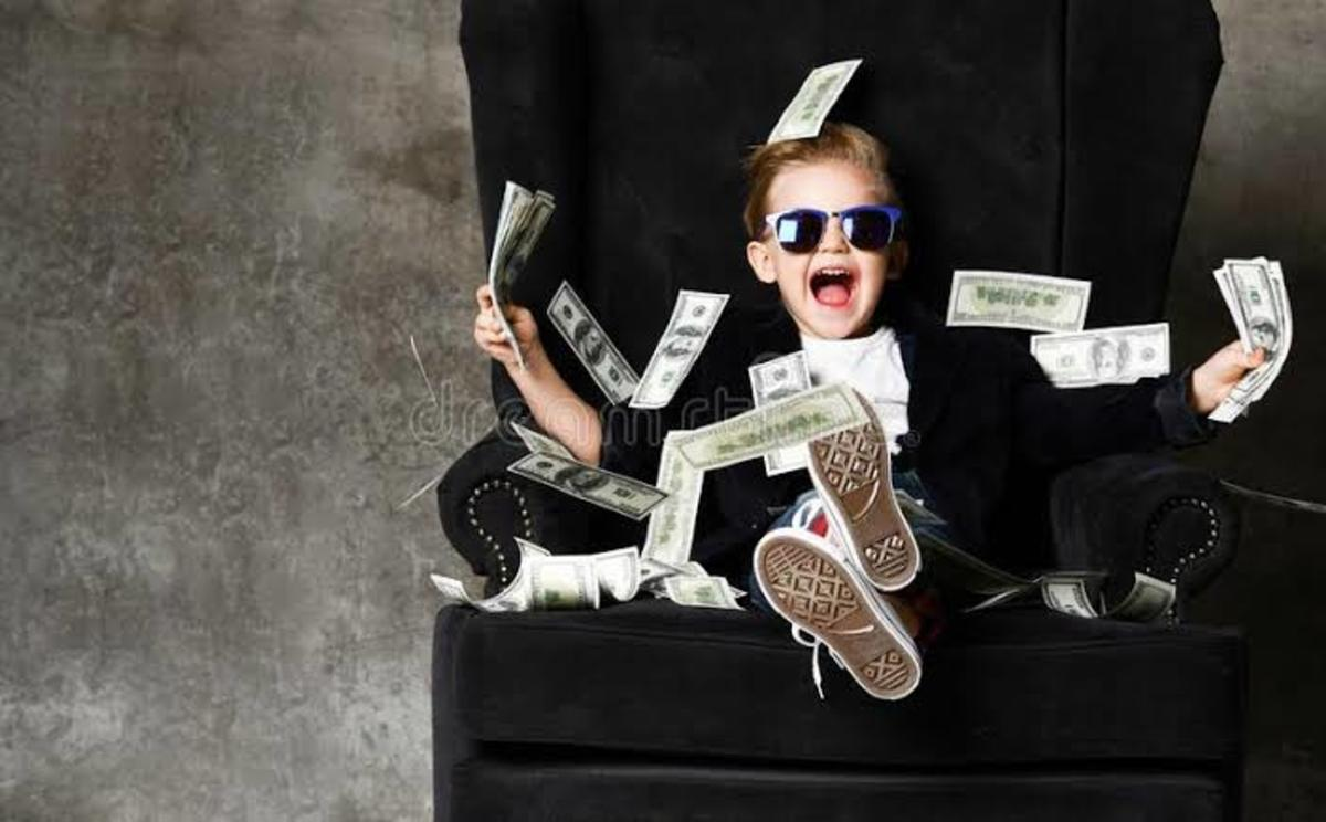 Top 9 People Who Became Crazy Rich For Bizarre Reasons