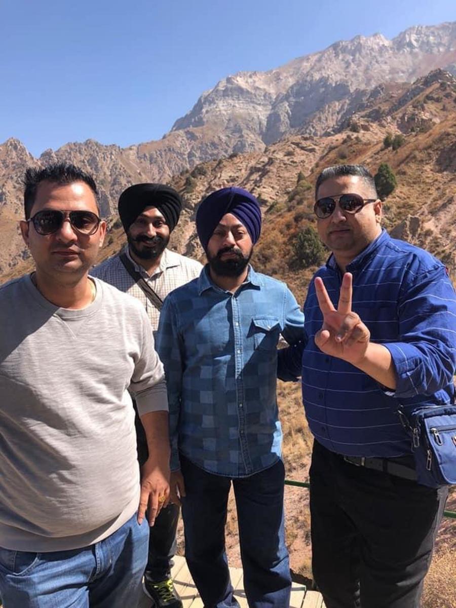 ..all friends, Devinder, Hardeep, MP Singh & Gurpreet