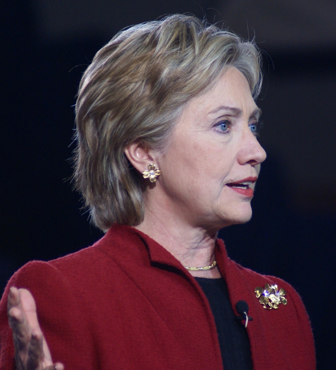 Will Hillary Clinton finally reveal the truth about the UFO issue?
