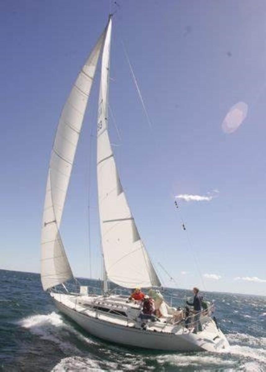 Man do I love older C&C's | Sailing, Boat