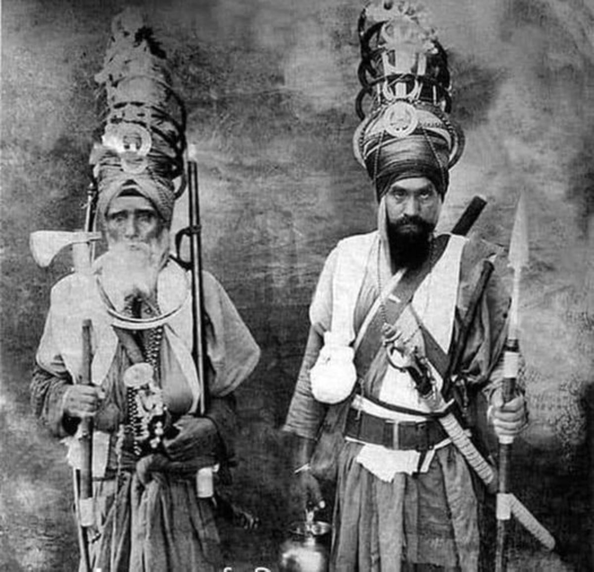 On one side 12 thousand Afghani robbers... and on the other side 21 Sikhs