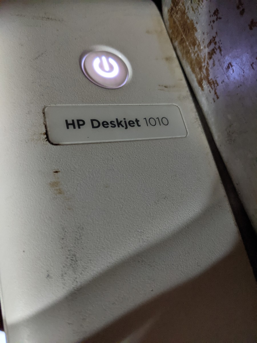 printer-changing-the-ink