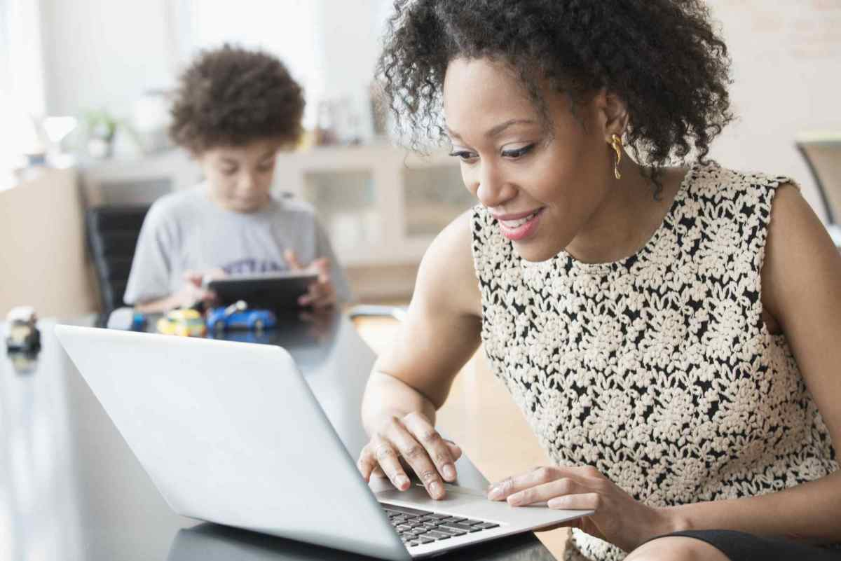 how-to-make-some-extra-money-as-a-single-mom