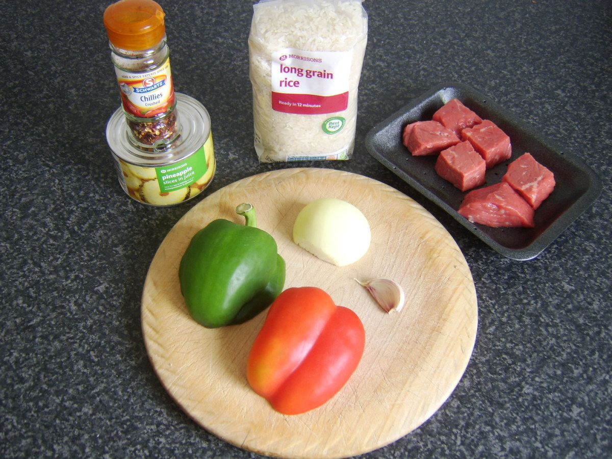 Principal ingredients for this beef, bell pepper and pineapple rice casserole