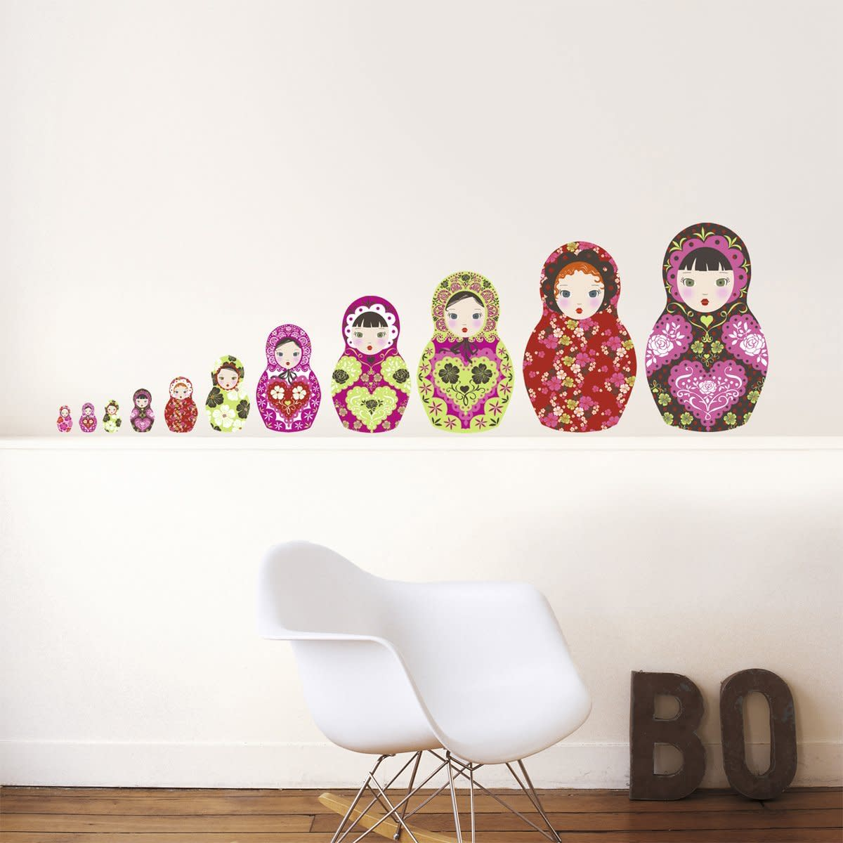 These large wall stickers with whimsical prints will make a big impact in your Russian doll bedroom or nursery. Perfect to create a dramatic focal wall behind a crib or bed.