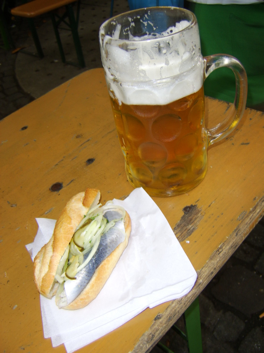 A Pickled Herring Semmel and a Mass of Helles at the Viktualienmarkt