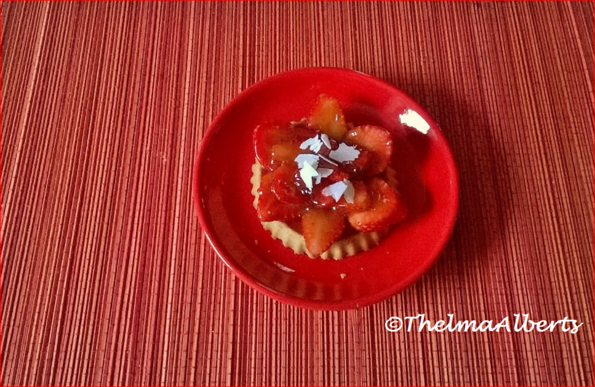Strawberry Tartlet with white chocolate.