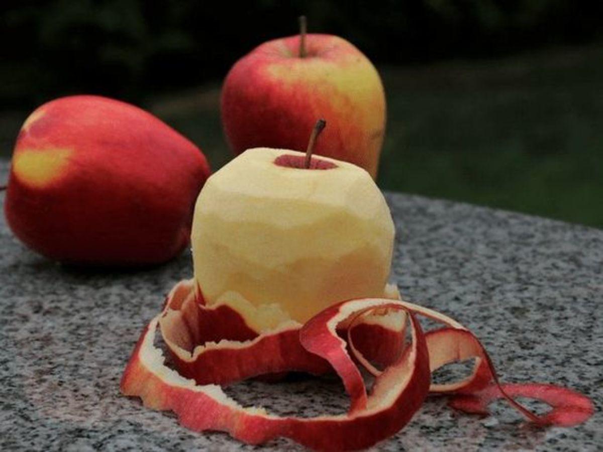 halloween-superstitions-trivia